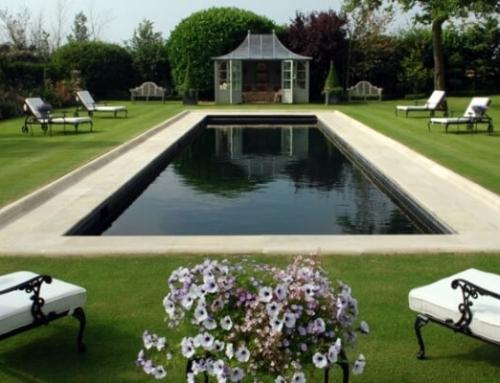 Choosing a Swimming Pool: Indoor or Outdoor?